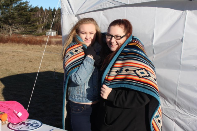 Large image of photo: Staying Warm at the JMG Polar Dip
